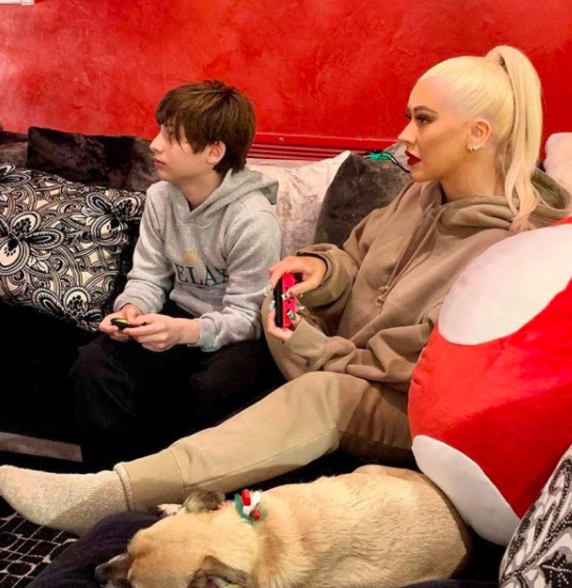 Christina Aguilera acaba de compartir algunas fotos raras de sus adorables hijos